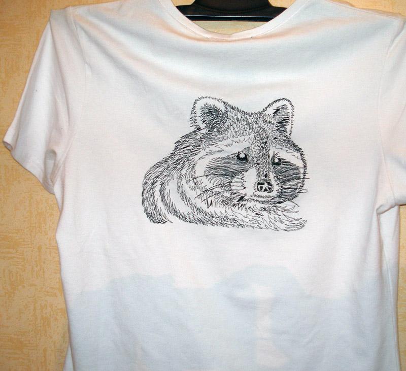 Печать вышивка на футболке 98